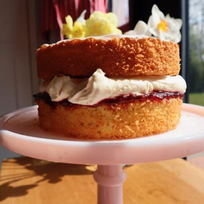 How-To-Make-Classic-Victoria-Sponge