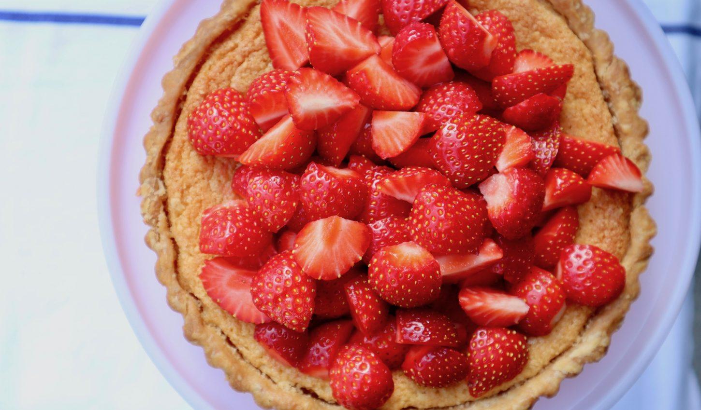 strawberry almond tart